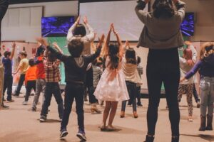 Kids learning musical theory through play