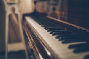 A close up of piano keys